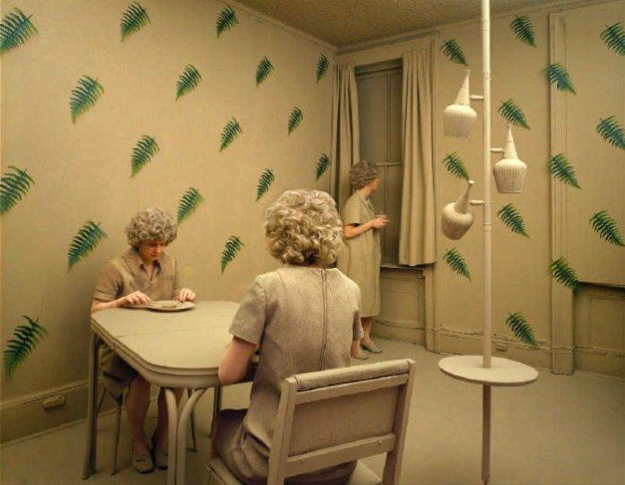 Баланс между фантазией и реальностью от фотографа Sandy Skoglund - №14
