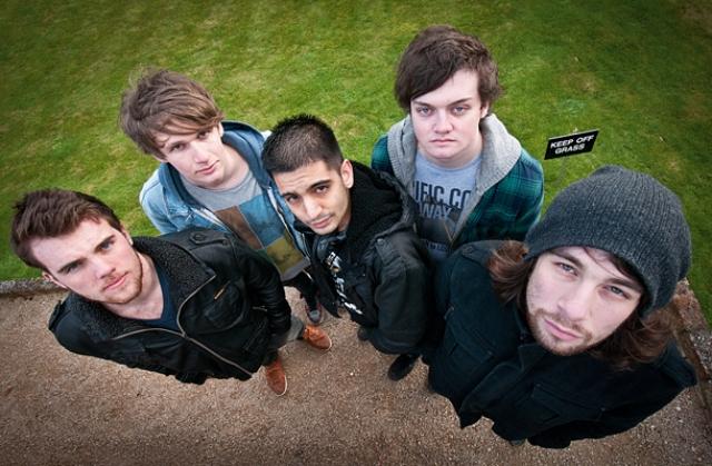 Как фотографировать групповой портрет широкоугольным объективом?