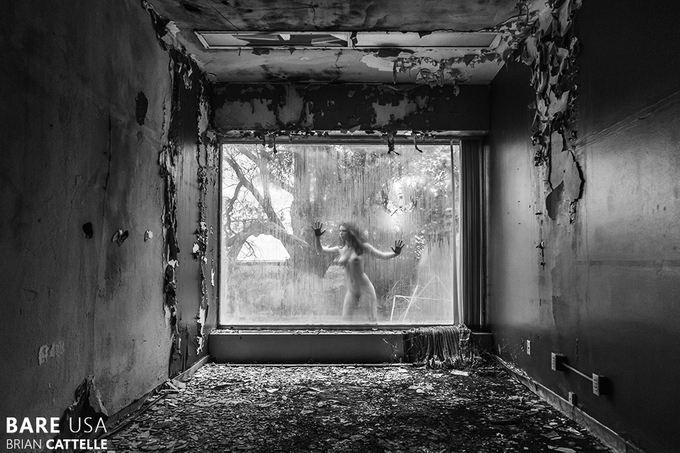 Bare USA: модели в заброшенных местах - №1