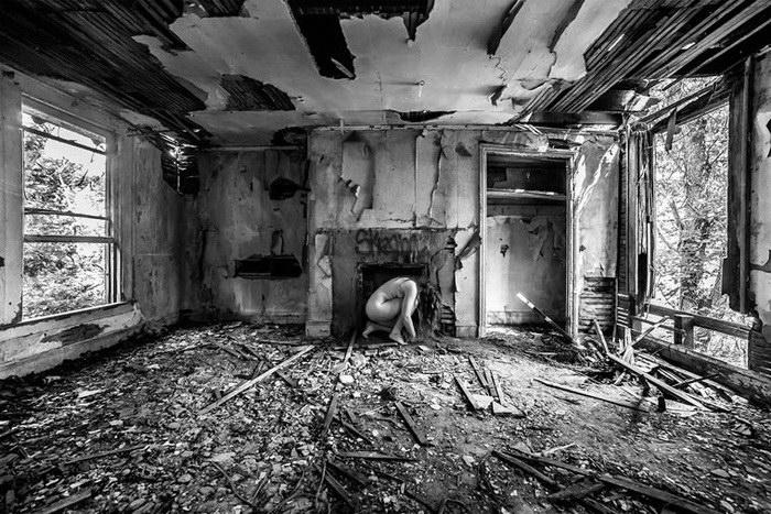 Bare USA: модели в заброшенных местах - №5