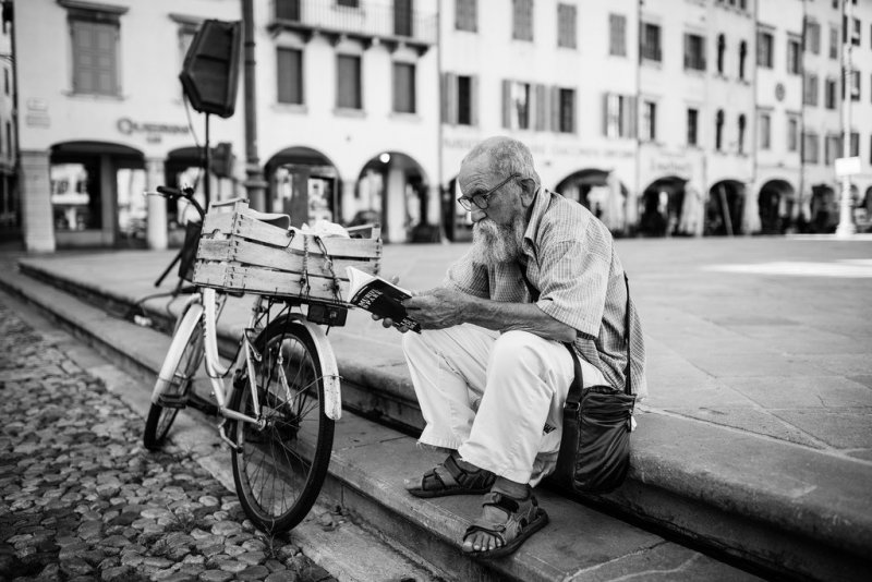 Черно-белая магия уличных портретов Джулио Магнифико - №17