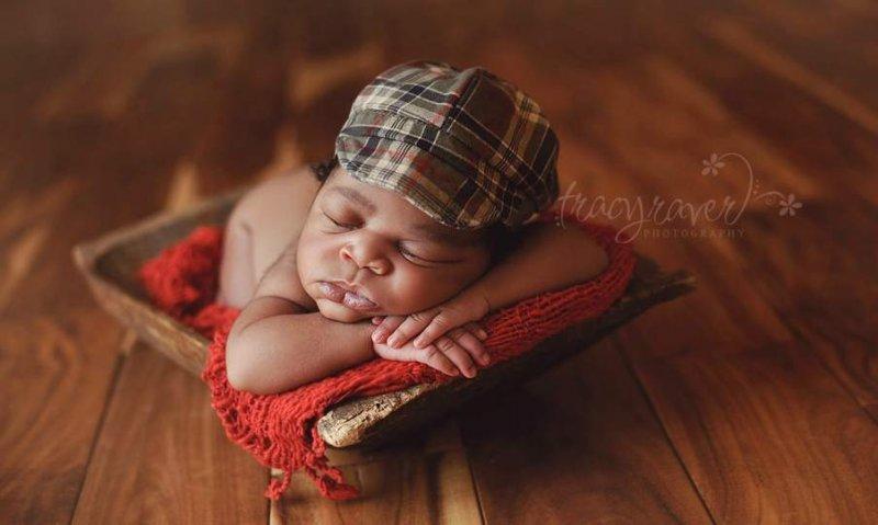 Спящие младенцы в фотографиях Трейси Рейвер - №10