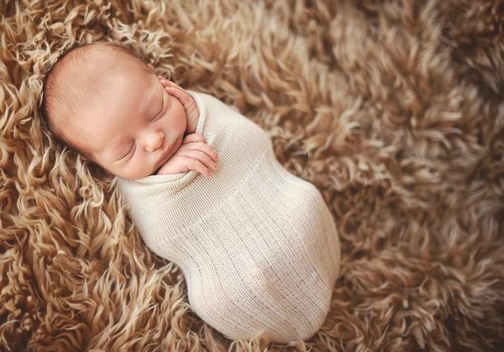 Спящие младенцы в фотографиях Трейси Рейвер - №18