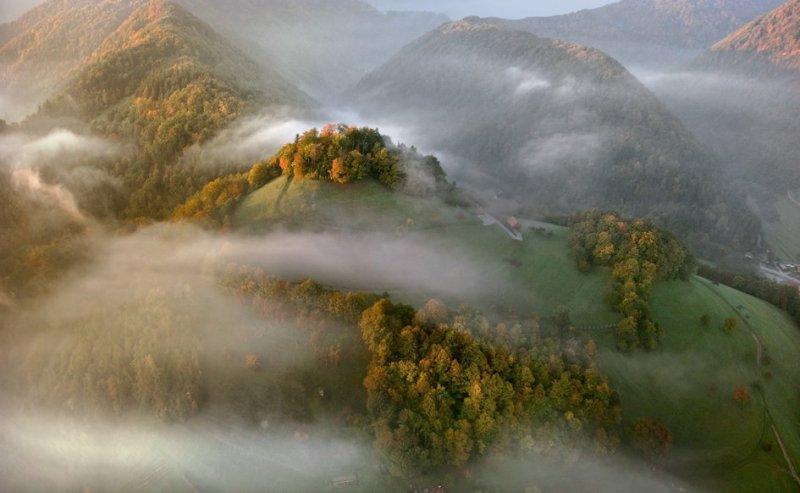 Сказочные фотопейзажи аэрофотографа Матяжа Катера - №5