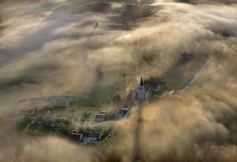 Сказочные фотопейзажи аэрофотографа Матяжа Катера - №16