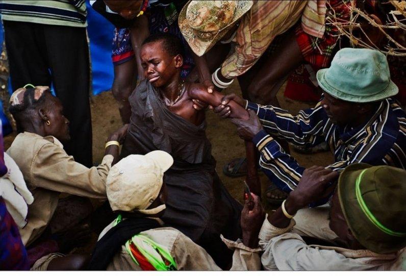 Жизнь Африки в объективе Брента Стиртона - №20