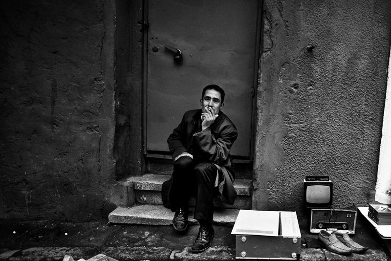 Стамбул в уличных фотографиях Мустафы Дедеоглу - №5