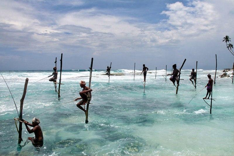 Рыбаки в Ахангаме, Шри-Ланка