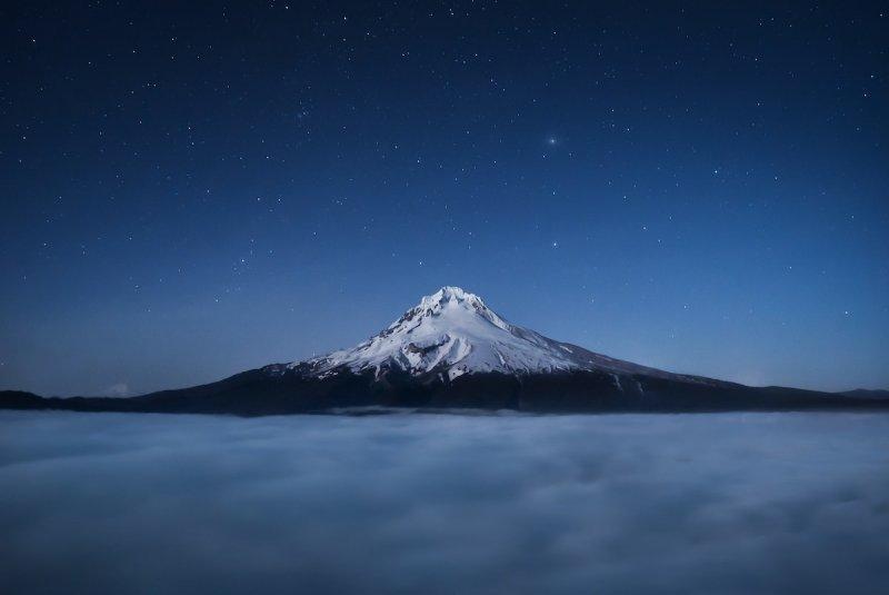 Ночная съемка горы Гуд, штат Орегон.