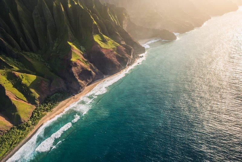 Побережье На Пали на острове Кауаи, Гавайи.