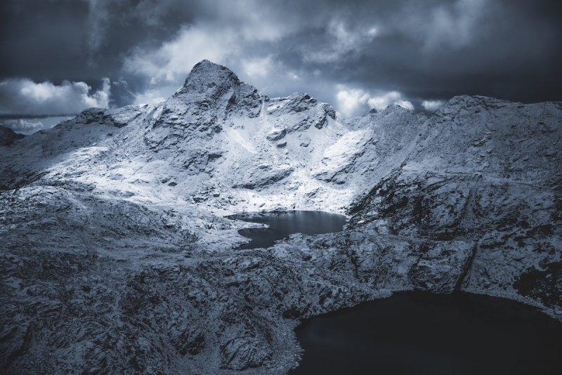 Гималайское озеро.
