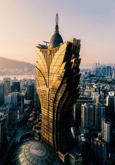 3 место. Небоскрёб «Grand Lisboa», самое высокое здание Макао.