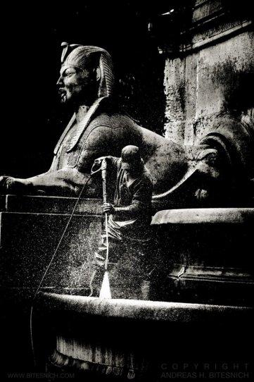 Тени в объективе Андреаса Битеснича - №22