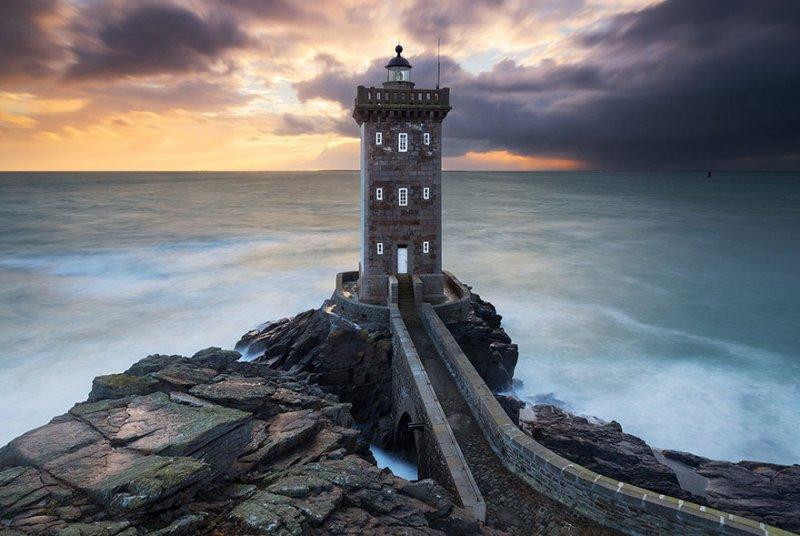 Маяк Керморван, Бретань, Франция. Фото: Николя Роттирс