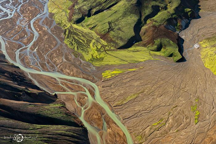 Пейзажи Исландии в аэрофотографиях Сары Мартинет - №6