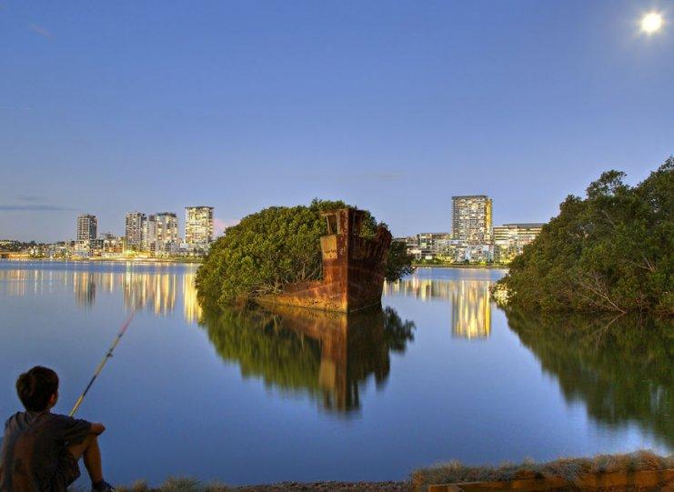 Разбившийся корабль в заливе Хомбуш, Сидней. Фото: Todka