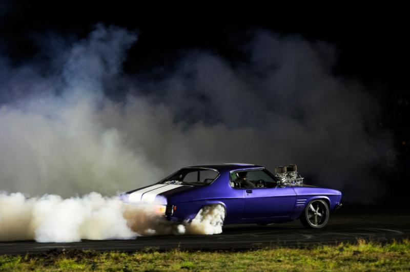 Захватывающие кадры с Burnout Competition - №15