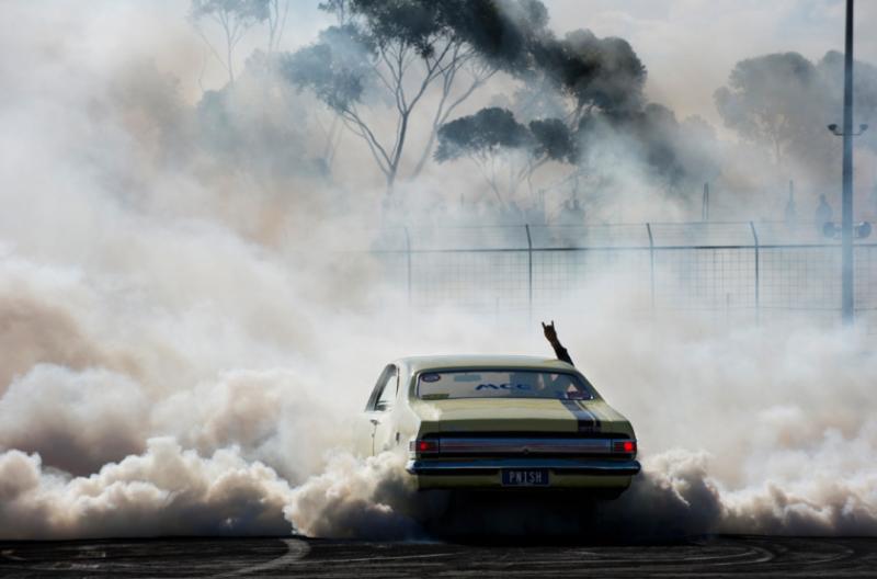 Захватывающие кадры с Burnout Competition - №17