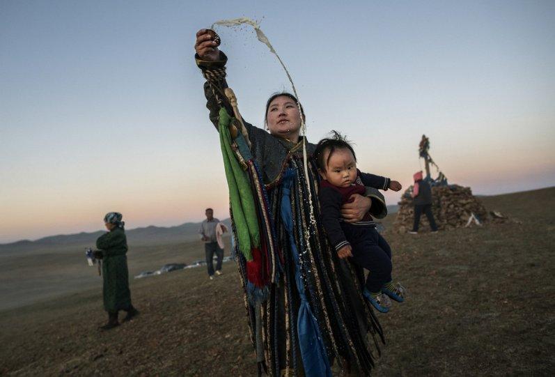 Фоторепортаж: шаманские ритуалы Монголии - №5