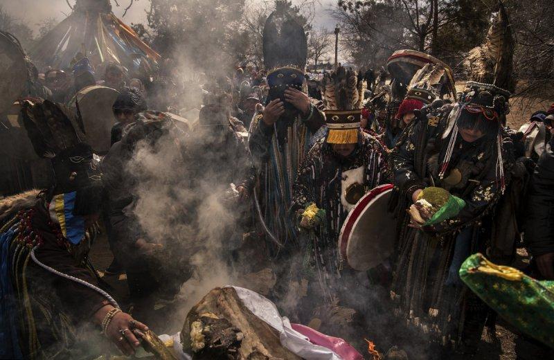 Фоторепортаж: шаманские ритуалы Монголии - №15