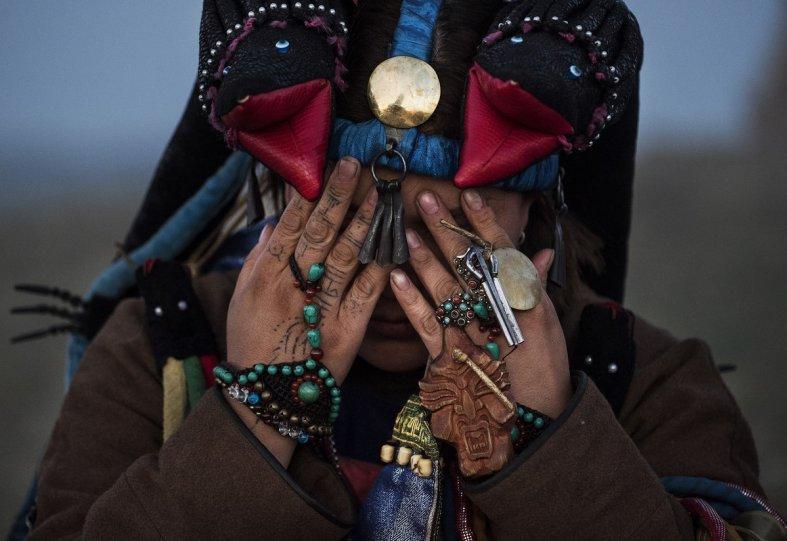 Фоторепортаж: шаманские ритуалы Монголии - №17