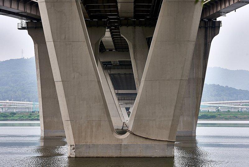 Мануэль Альварес Диестро «Сеульские мосты» - №15
