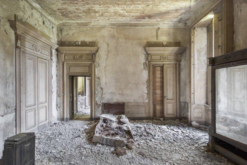 Заброшенные дворцы Европы - №2