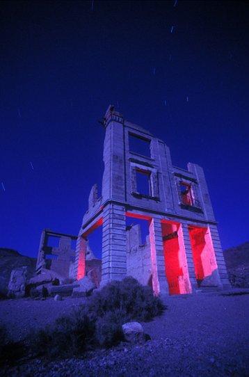 Ночные фотографии заброшенного Запада - №13