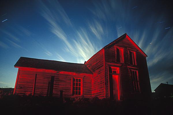 Ночные фотографии заброшенного Запада - №10