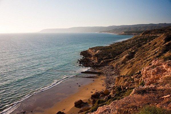 Удивительные побережья в красивых фото - №17