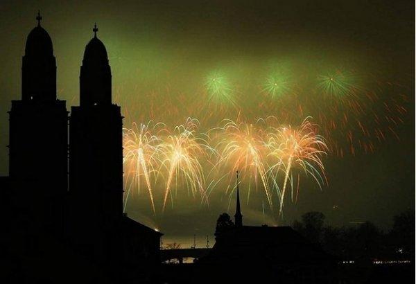 Празднование Нового Года - красивые фото из разных стран - №2