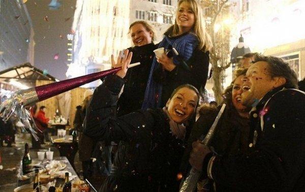Празднование Нового Года - красивые фото из разных стран - №6
