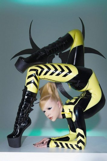 """Фото съемка """"девушки-змеи"""" для календаря - №3"""