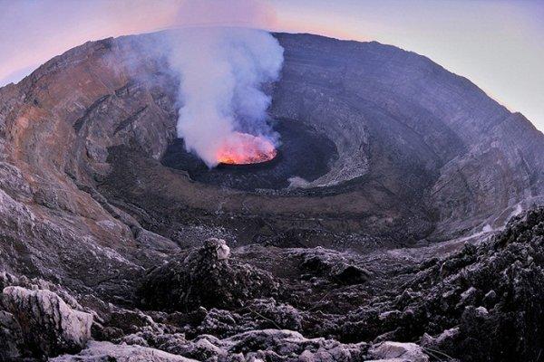 Лучшие фото кадры извержения вулканов мира - №20
