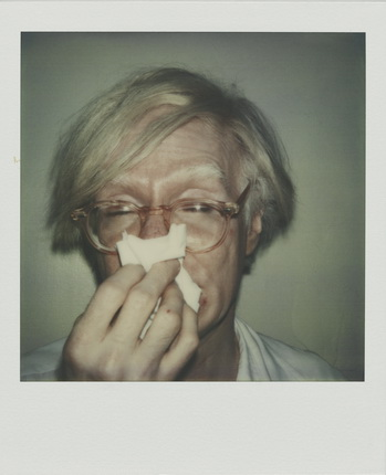 Andy Warhol. ANDY SNEEZING. 1978 Polaroid SX-70. © The Andy Warhol Foundation for the Visual Arts Inc. / VBK, Wien 2011