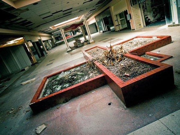 Заброшенные здания - бывшие мегамоллы США - №7
