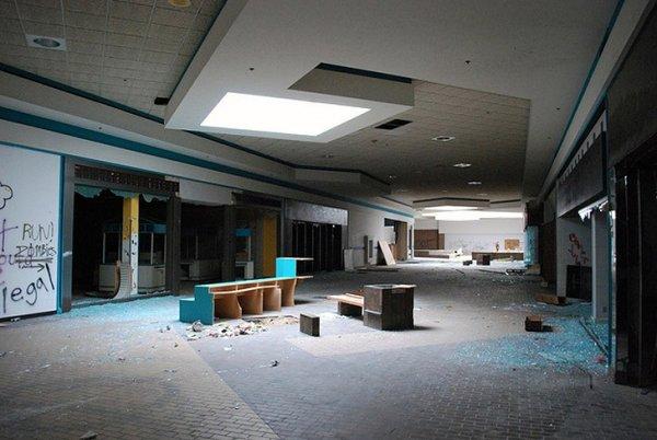 Заброшенные здания - бывшие мегамоллы США - №19