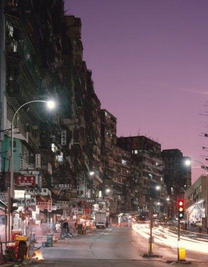 темные улицы города