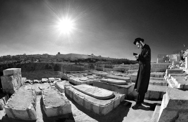 Prayer over the graves